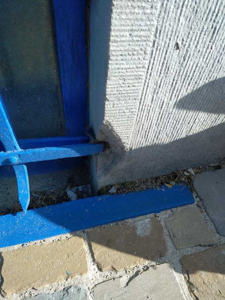 Reparation plinthe de soubassement pierre bleue