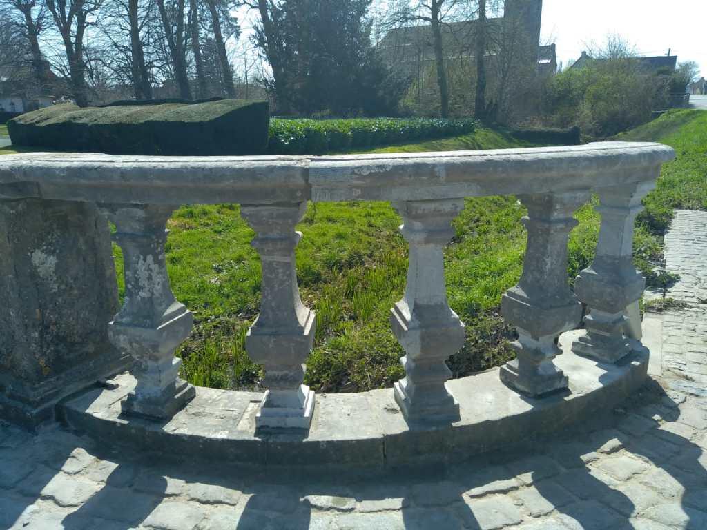 Réparation balustres Chateau d'Attre