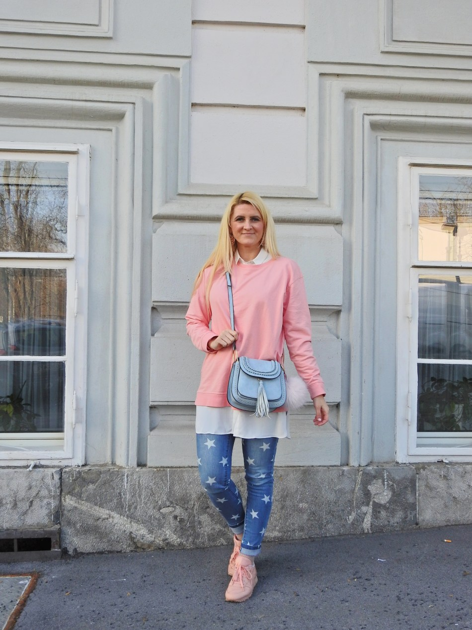 Jeans with Stars, Pink Sweater, Chloe Bag, Reebok Classics pink, carrieslifestyle