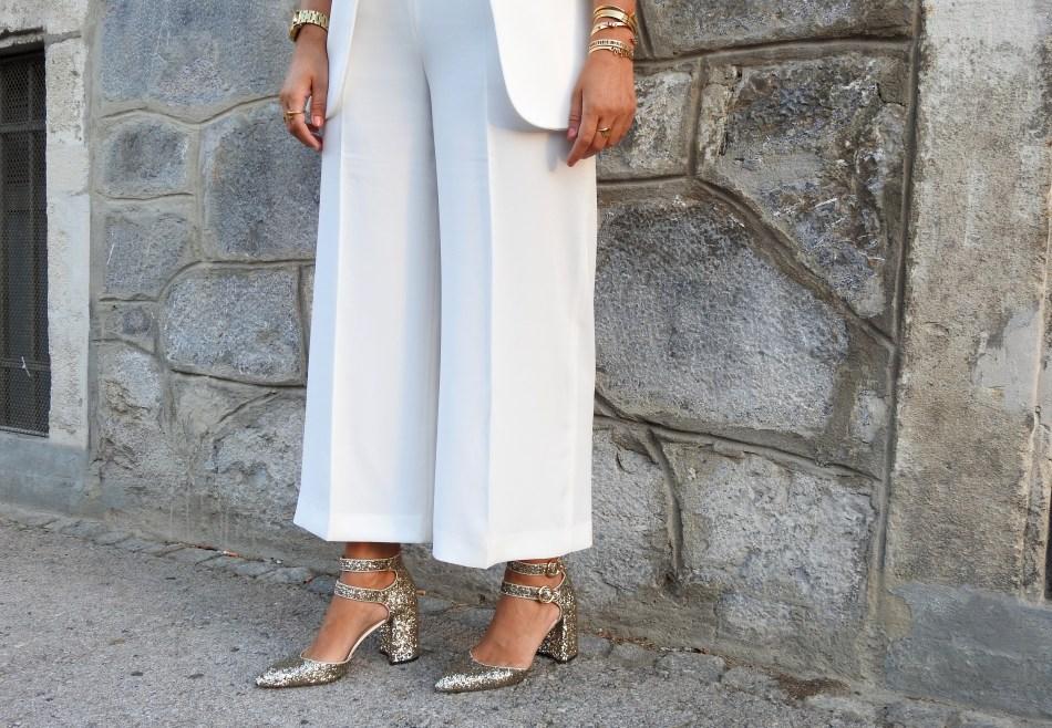 Fete-Blanche-Lillet-Palazzo-Pants-White-Blazer-Gold-Heels-Chloe-Drew-Bag-carrieslifestyle-Tamara-Prutsch