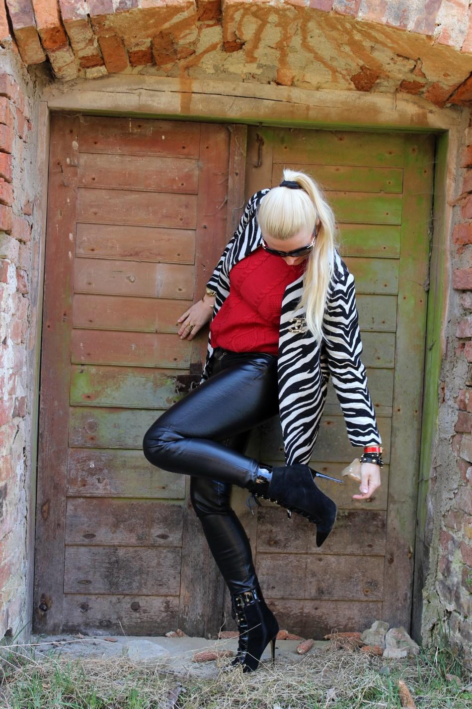 Serienjunkie-Carrie-Bradshaw-carrieslifestyle-Tamara-Prutsch-SexandtheCity-SATC-Streetstyle