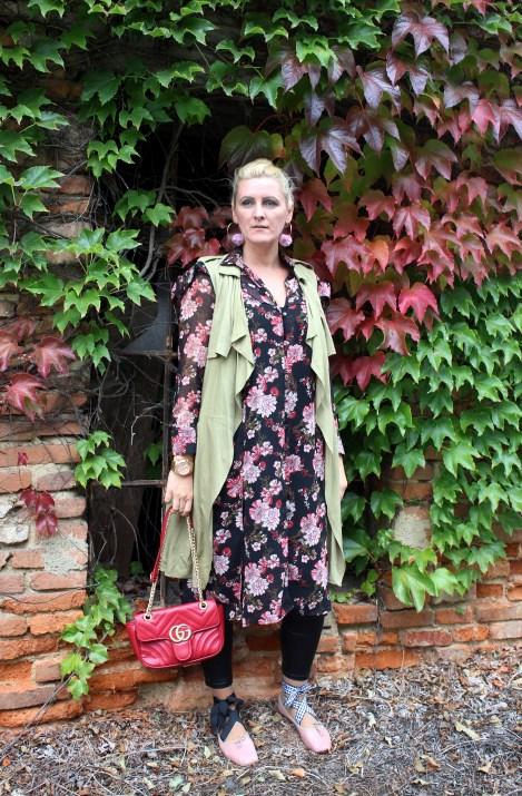 Tunikakleid-Vest-MiuMiu-Ballerina-Treggings-Gucci-Bag-carrieslifestyle-Tamara-Prutsch