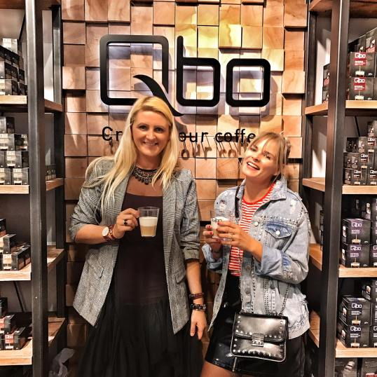 Qbo-Coffee-Tchibo-Eduscho-Blogger-Graz-Event-Karo-Mesh-Dress-Blazer-streetstyle-carrieslifestyle-Tamara-Prutsch