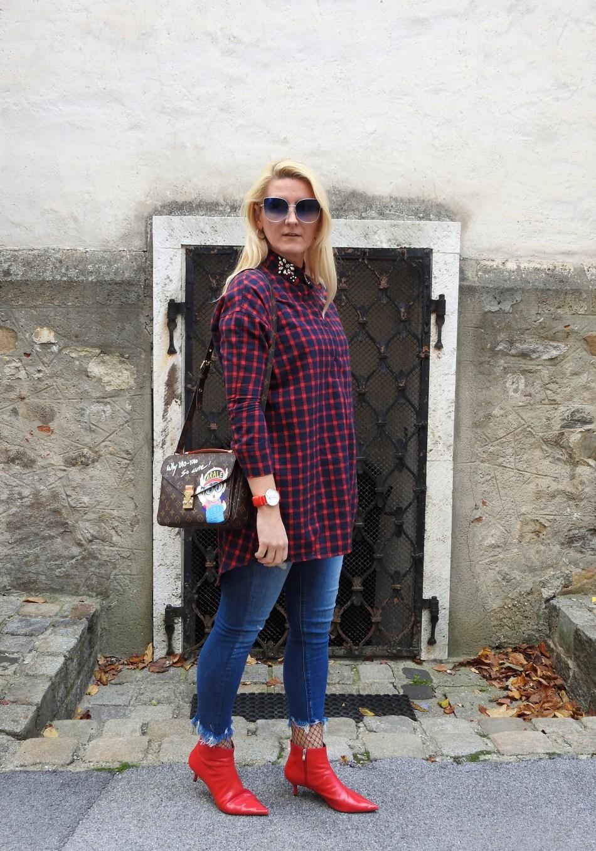 Red-Booties-Zara-Holzfellerhemd-Karo-Strass-Louis-Vuitton-Bag-carrieslifestyle-Tamara-Prutsch