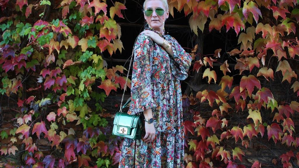 Maxidress-H&M-Fall-carrieslifestyle-Tamara-Prutsch-Deichmann-Sneakers