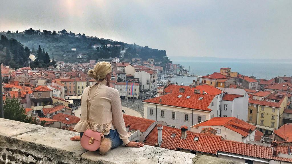 Piran-Reisebericht-Travel-Globetrotter-carrieslifestyle-Tamara-Prutsch-Romwe-Blouse-Denim-Skirt-Stella-Platforms-Shoes-Chloe-Drew-Bag