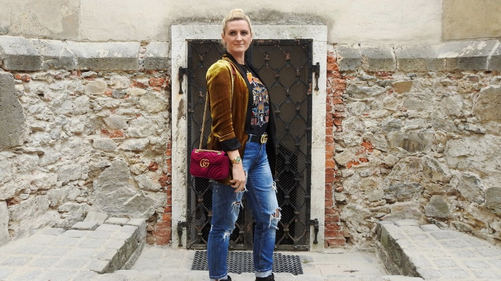 Bolia-Store-Opening-Graz-Murgasse-Skandinavian-Design-Möbel-Blogger-Event-carrieslifestyle-Tamara-Prutsch-Velvelt-Blazer-Gucci-Belt-Bag-Studded-Boots-Nieten-Fishnet-Stockings