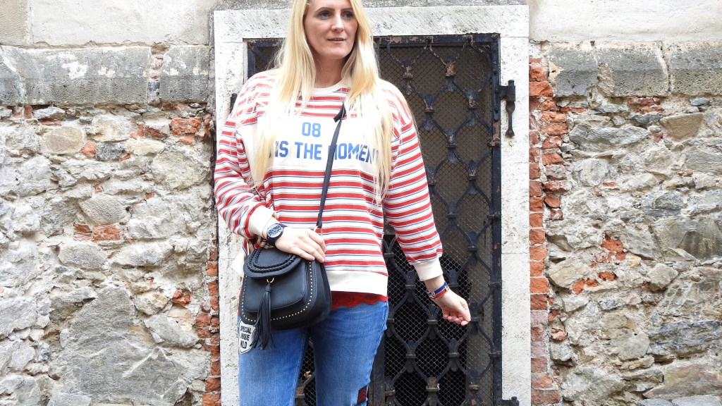Querstreifen-Pulli-Stripes-Striped-Sweater-Bershka-Pullover-Sweater-Denim-Patches-Jeans-Chloe-Bag-Rot-Blau-Weiß-carrieslifestyle-Tamara-Prutsch