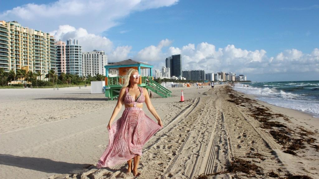 Sehnsucht-nach-dem-Meer-Seaview-Sea-Spaziergang-Beach-Miami-Florida-carrieslifestyle-Tamara-Prutsch