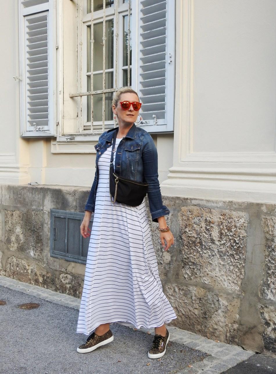 Beltbags-Gürteltasche-Styen-Superga-Sneakers-Footway-Maxidress-Zara-Denim-Jacket-Zara-Dark-Carrera-Sunglasses-carrieslifestyle-Tamara-Prutsch