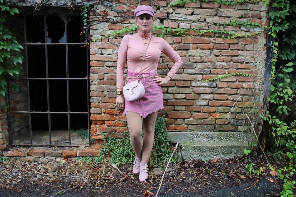 Chainbelt-Chanel-Kordrock-Kord-Skirt-Baskenmütze-Rosa-studs-Studded-Boots-Suzanna-Chloe-Bag-Gold-carrieslifestyle-Tamara-Prutsch-Fashionblogger
