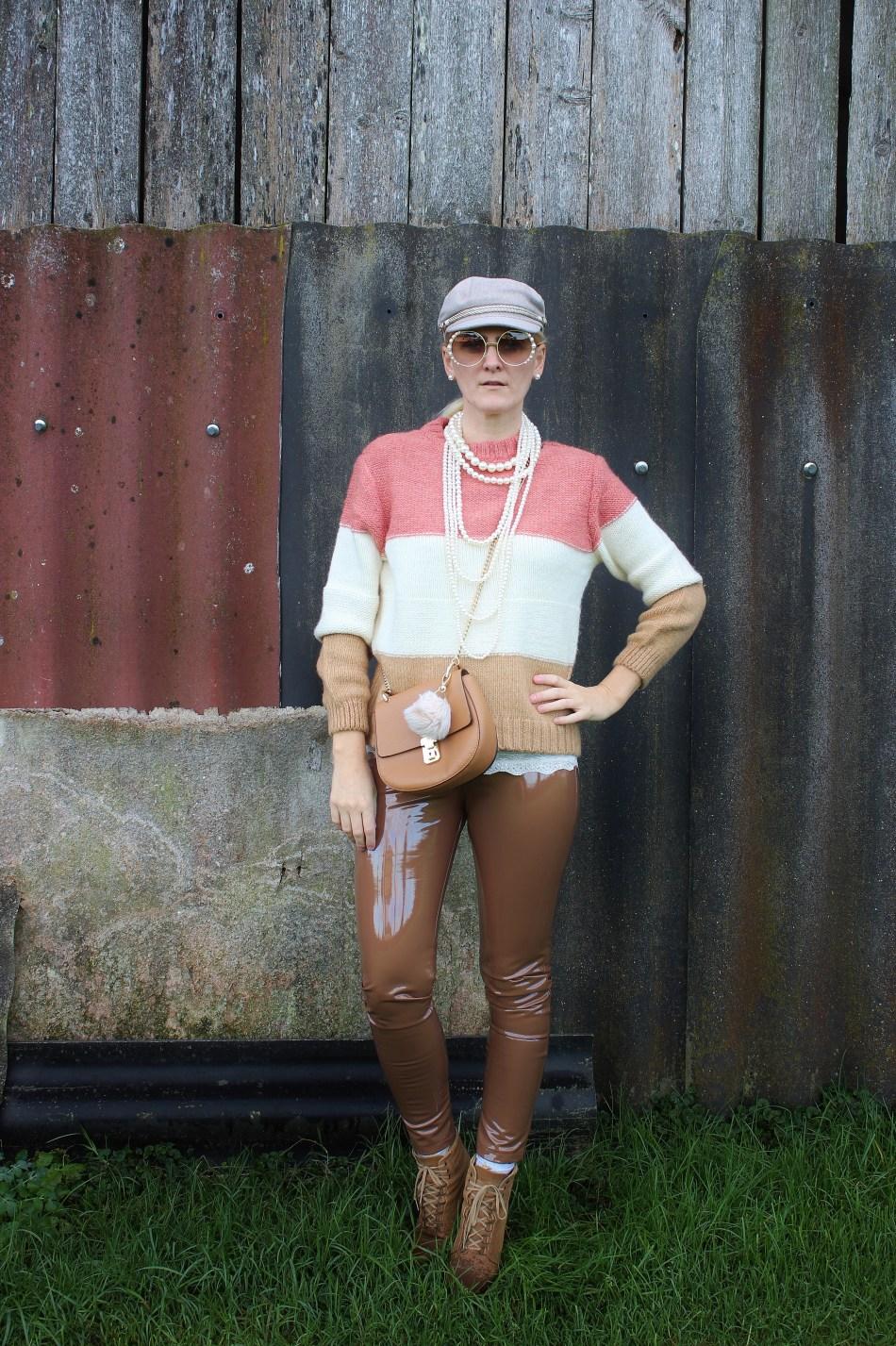 Vinyl-Pants-Trend-Pearls-carrieslifestlye-Tamara-PRutsch-Wie-trägt-man-Lack-
