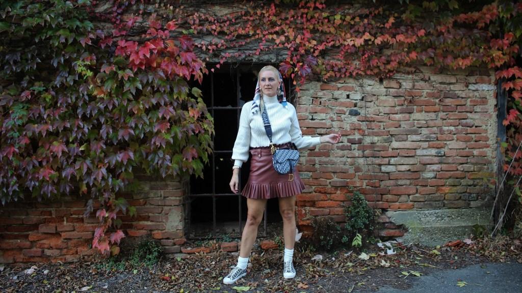 Schulmädchen-Skirt-Zara-Dior-Sneakers-Saddlebag-carrieslifestyle-Tamara-Prutsch
