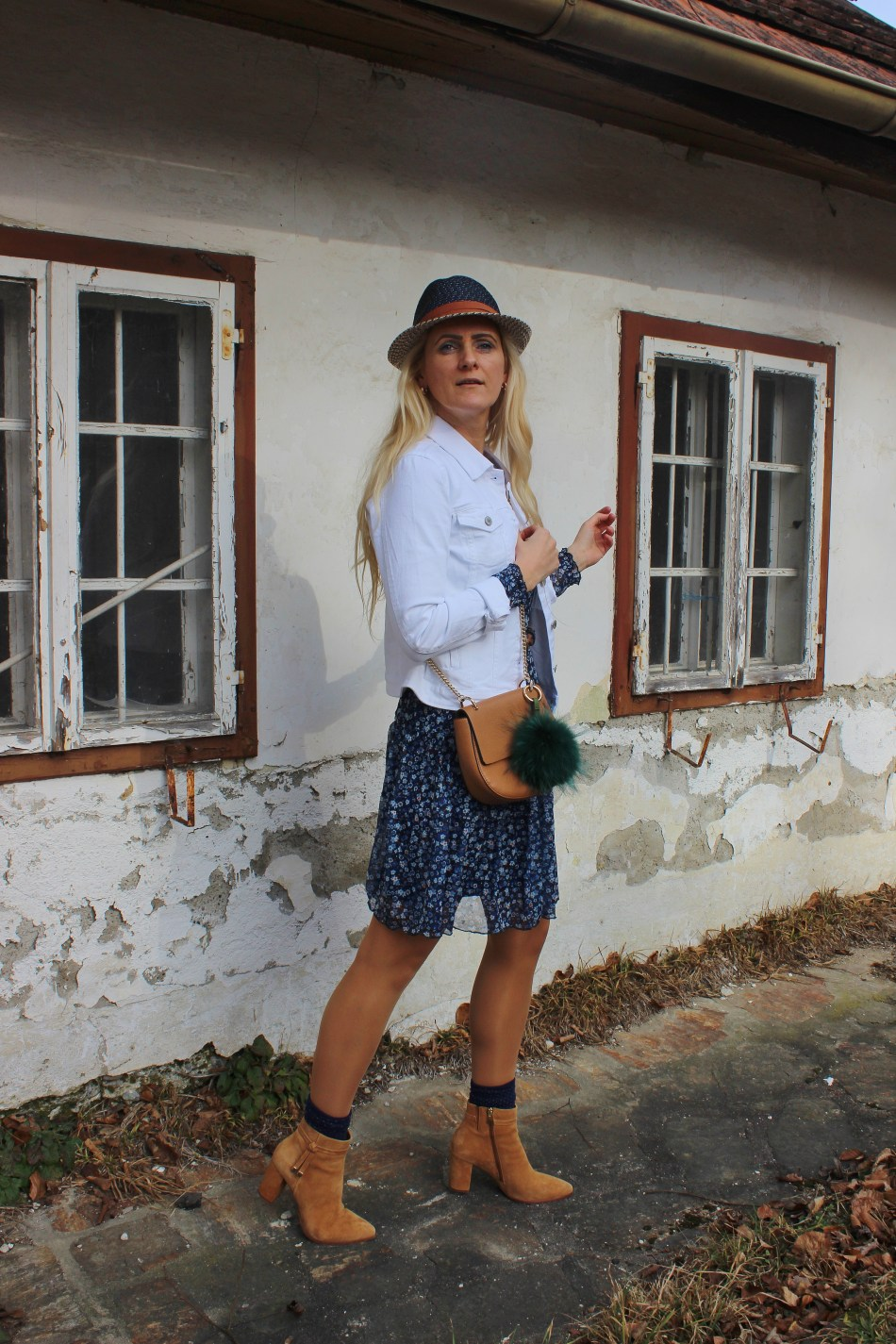 CCC-Shoes-and-Bags-Takko-Fashion-Floralprint-Dress-Denim-White-Jacket-Boots-carrieslifestyle-Tamara-Prutsch