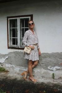 Victoria Virta-Kettenprint Kleid-Chain-Sandalen- CCC Shoes and Bags-Moschino Love Bag-carrieslifestyle-Tamara-Prutsch