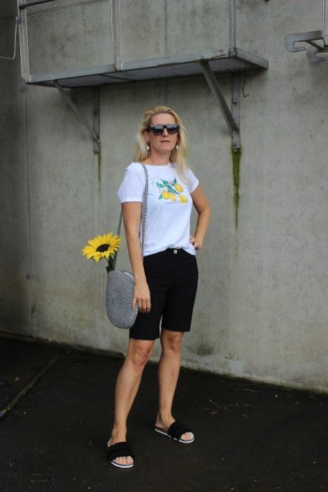 Citrusprints-Zitronenmuster-Runde Tasche-carrieslifestyle-Tamara Prutsch-tchibo-Eduscho