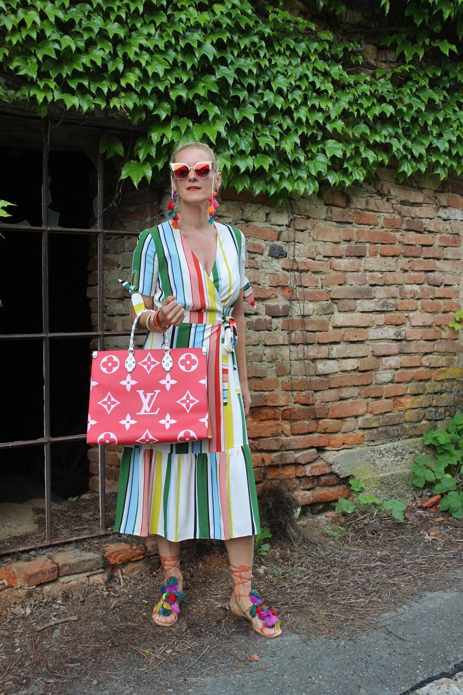 Regenbogenkleid-Mango-Gestreiftes buntes Kleid-Steifenkleid-Louis Vuitton On the Go-Bag - Tasche-carrieslifestyle-Colourssplash-Colourblocking