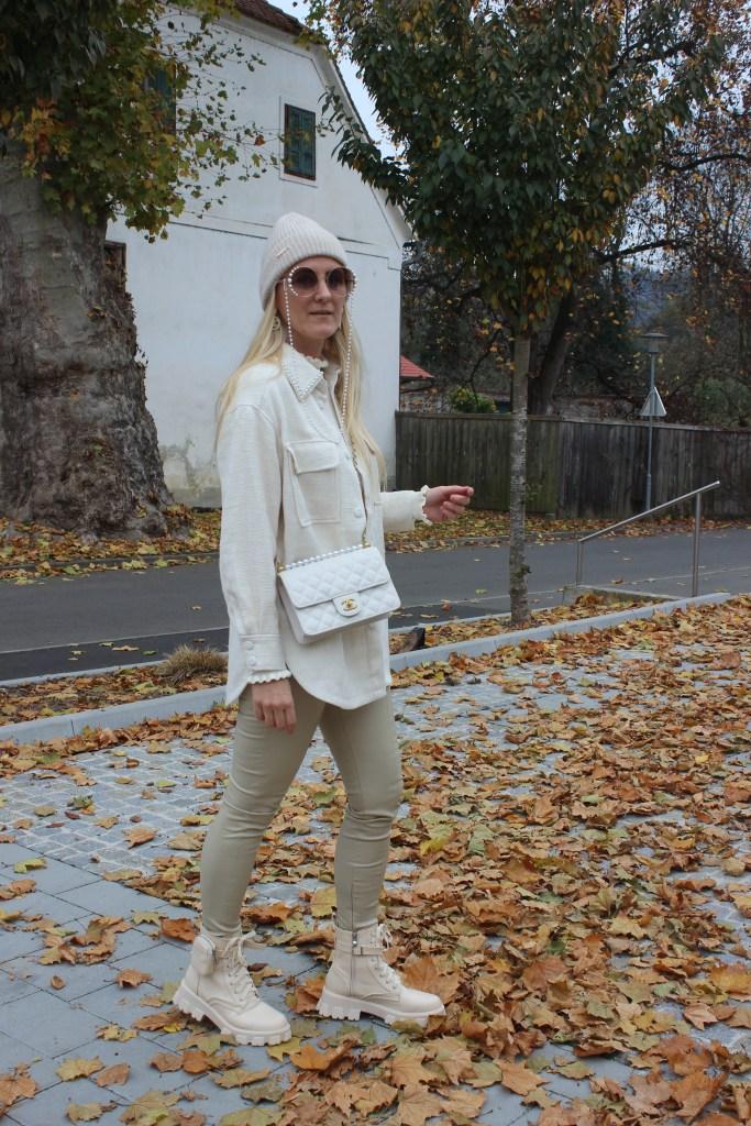 Trends Shacket-Weiß-Beige-Trends Beige-carrieslifestyle-Tamara Prutsch