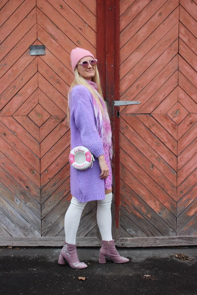 Nakd Fashion-Flieder-Cardigan Lila-Overknee Strumpfe-Boots Flieder Studs-Frühhlingslook-carrieslifestyle-Tamara Prutsch