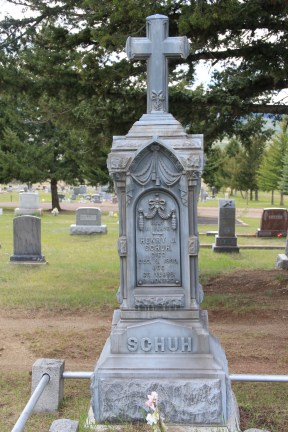 Schuh metal gravemarker, Phillipsburg Cemetery