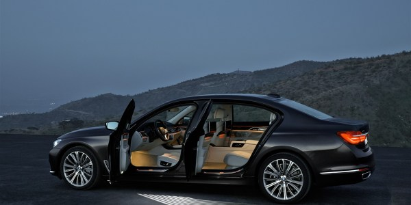 P90178460_highRes_the-new-bmw-7-series (1637 x 1091)