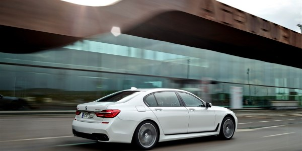 P90178518_highRes_the-new-bmw-7-series (1637 x 1226)