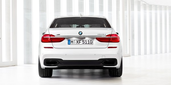 P90178528_highRes_the-new-bmw-7-series (2480 x 1653)