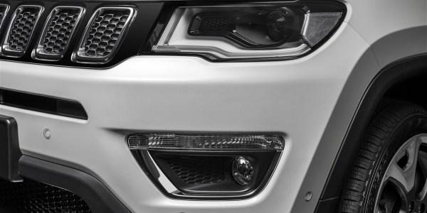 jeep_compass_limited_033-1367-x-916