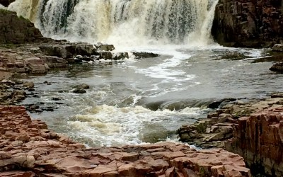 A Pretty Little City; Sioux Falls, South Dakota – A Complete Guide On How To Spend & Enjoy 24 Hours Here