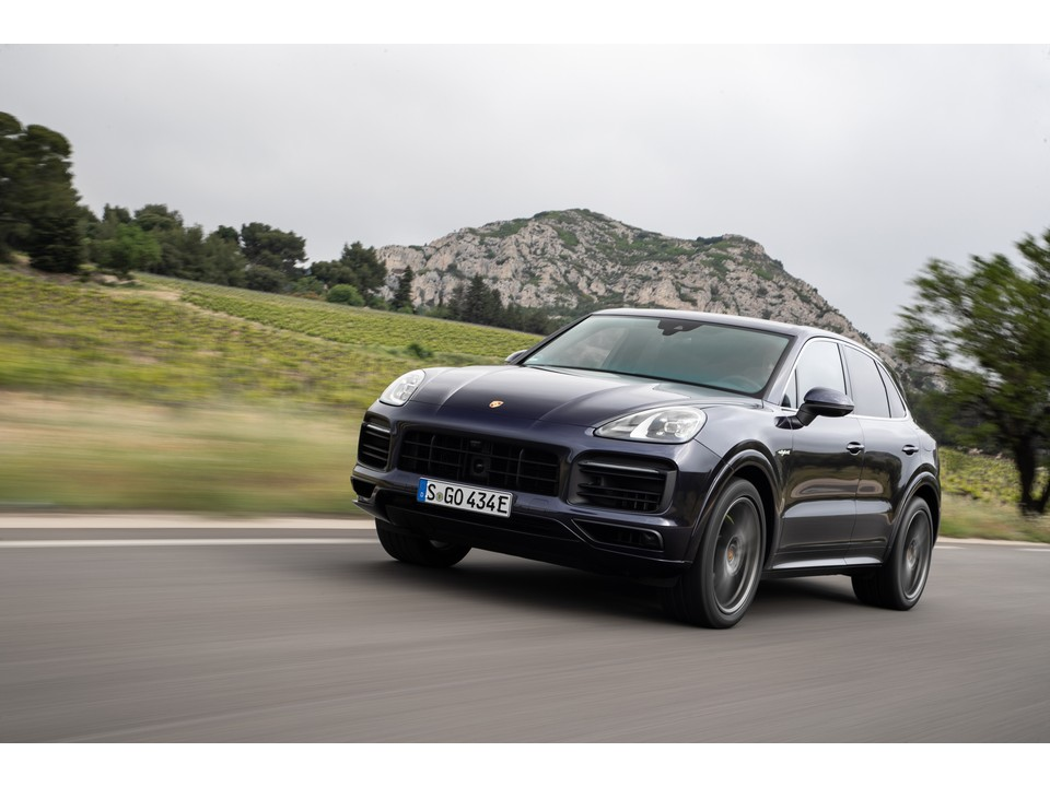 2019 Porsche Cayenne Hybrid Prices Reviews And Pictures