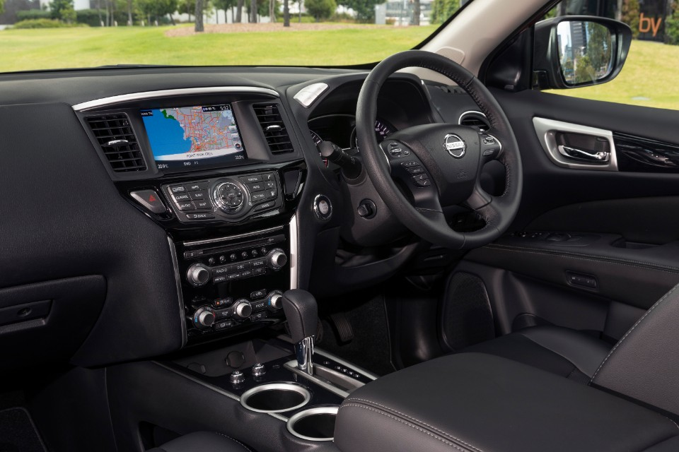 pathfinder - 2019 Nissan Pathfinder Ti 25 - Nissan Pathfinder: big n' comfy but likes a drink