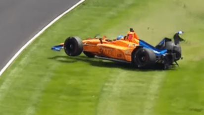 alonso - alonso indy crash 2 - Alonso smiles amid Indy mayhem