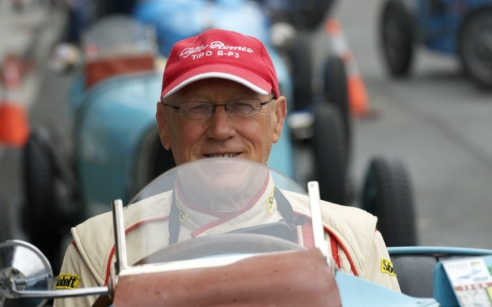 vintage - peter giddings 1 - Final flag fall for veteran racer Giddings