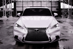 Lexus-IS-spindle-grille