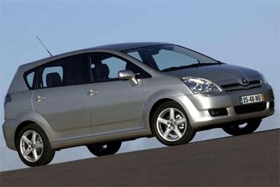 Toyota_Corolla_Verso-auto-sales-statistics-Europe