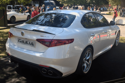 Alfa_Romeo_Giulia-right-rear