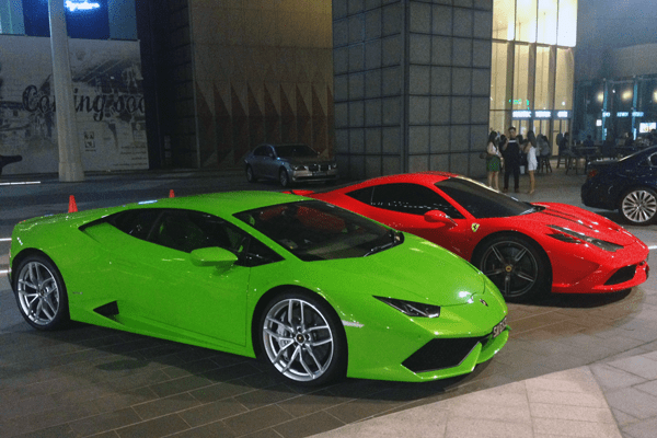 lamborghini_huracan ferrari_458_italia european_car_sales 2015 exotic_car_segment the lamborghini