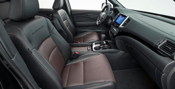 2017-Honda_Ridgeline-Black_Edition-interior