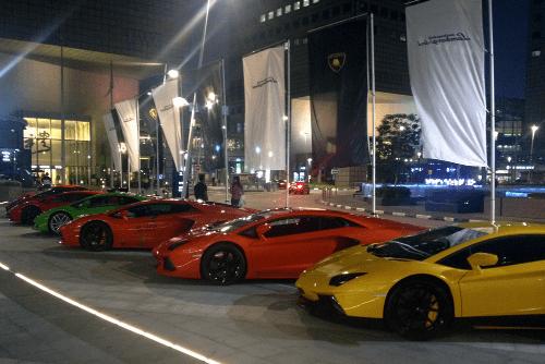 Lamborghini Aventador, Lamborghini Huracan, Ferrari 458 Italia. Singapore street scene