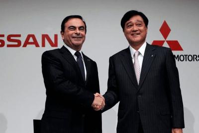 Carlos_Ghosn-Nissan-Osamu_Masuko-Mitsubishi