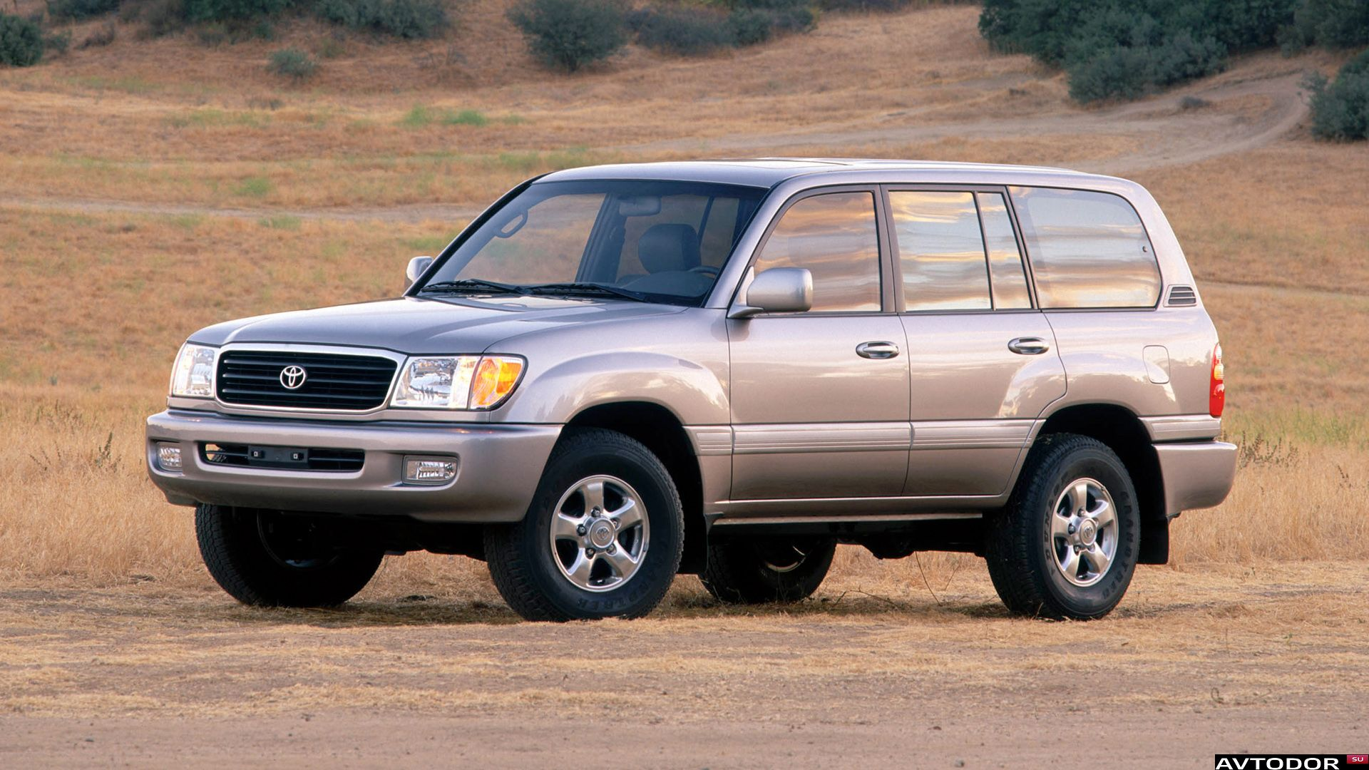 Look a like retro 1997 subaru forester and carsalesbase let me be the first to admit i love the original subaru forester i love its boxy styling complete with a very mini esque upright windscreen sciox Images