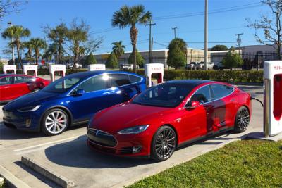 US-sales-EV-segment-2017_Q1-Tesla_Model_S-Model_X
