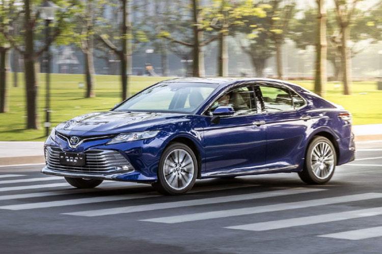 Auto-sales-statistics-China-Toyota_Camry_hybrid-sedan