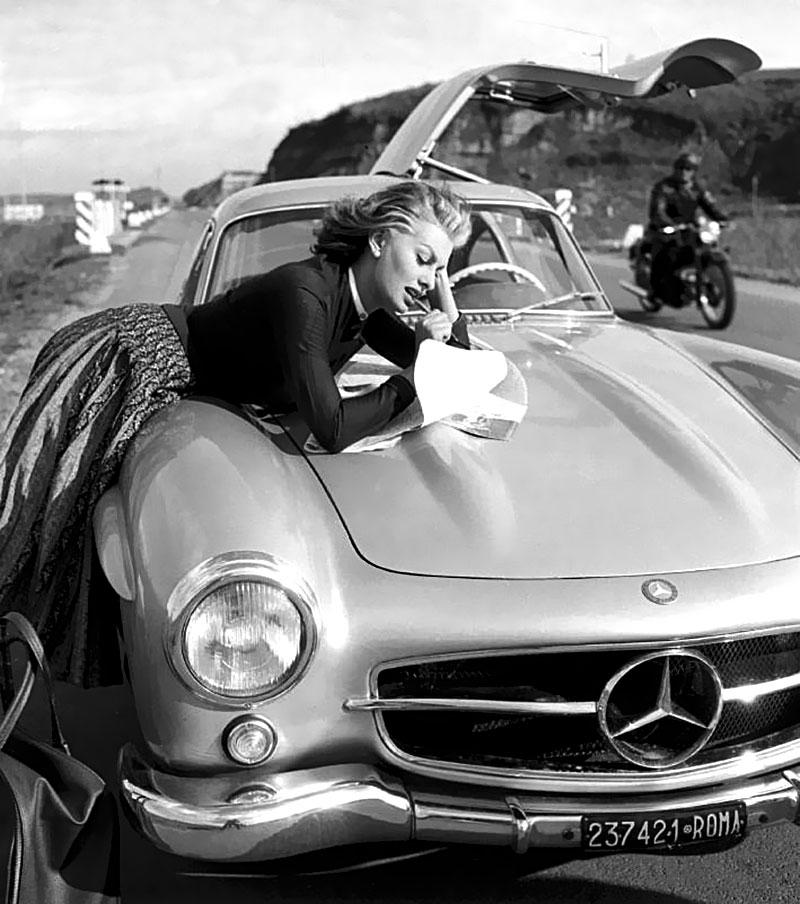 Sophia Loren Mercedes 300 SL Gullwing 03