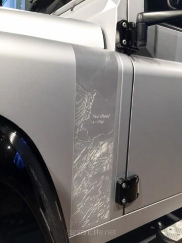 Land Rover Defender 2000000 16