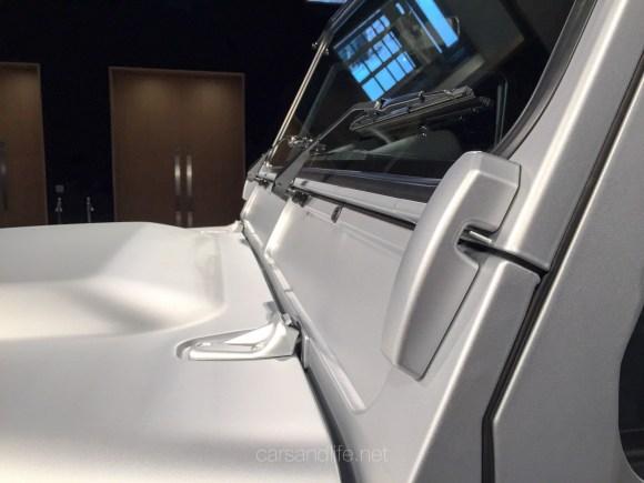 Land Rover Defender 2000000 46