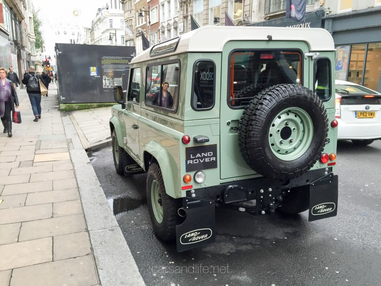 Land Rover Defender 2000000 73