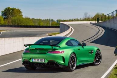 AMG GT R; 2016; Design; Exterrieur: AMG Green Hell magno ;Kraftstoffverbrauch kombiniert: 11,4 l/100 km, CO2-Emissionen kombiniert: 259 g/km AMG GT R; 2016; design; Exterior: AMG Green Hell magno; Fuel consumption, combined: 11.4 l/100 km, CO2 emissions, combined: 259 g/km