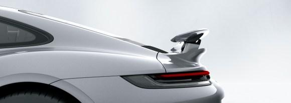 Porsche 911 Turbo S: Porsche Active Aerodynamics (PAA): rear wing