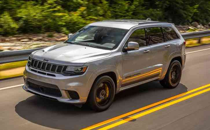 2022 Jeep Trackhawk The exterior of the Jeep Grand Cherokee Trackhawk is anything but subtle. A vented and contoured hood features alongside honeycomb grilles
